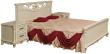 Кровать двойная «Алези» с высоким изножьем, Цвет: Слоновая кость с золочением, Спальное место: 2000x1600 мм, Размер: 2150x1852x1045 мм (krovat_dvoinaya_alezi_16_p349_16_slon_kost_3.jpg)